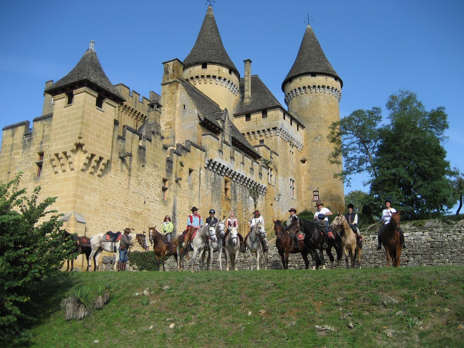 Paardrijden bij een kasteel in Frankrijk