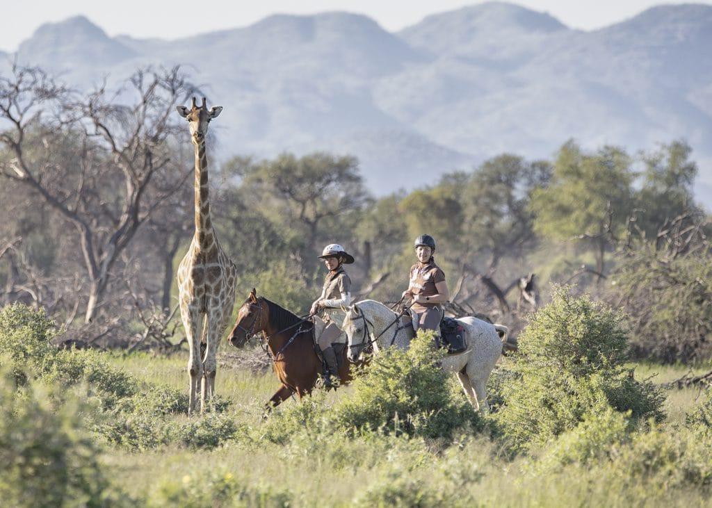 Ruiters op safari in Afrika